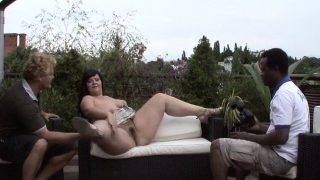 Plumper cocksucking black dick outdoors