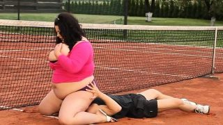 Chunky bbw sixtynining on the tennis court